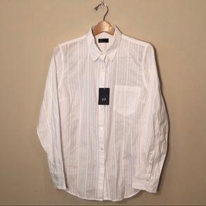 NWT - Gap White Fitted Boyfriend Shirt